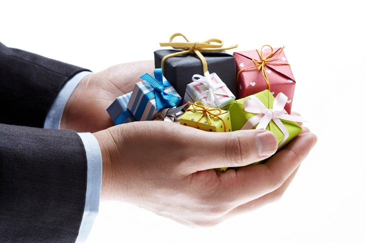 Occasions on which you should send out corporate gifts